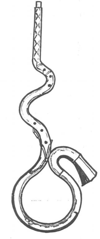 El serpentón italiano o cornetto bajo era utilizado mucho antes de la invención de Guillaume de 1590. Se trata de un autentico cornetto bajo de tuberia estrecha, paredes finas y orificio para el pulgar, lo cual le distingue del serpentón que lo sucedió.